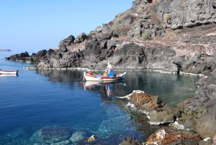 Vacanza a Santorini viaggio fra i meravigliosi colori delle spiagge