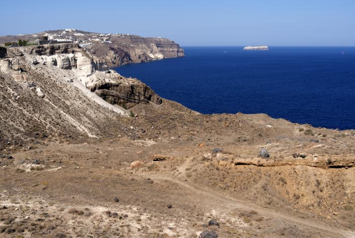 Vacanze a Santorini: il suggestivo villaggio di Megalochori