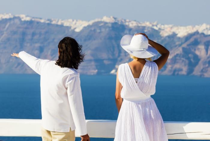 Santorini: cosa mettere nella valigia femminile