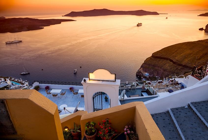 Con il volo Napoli Santorini la tua vacanza è già iniziata | Bongi ...