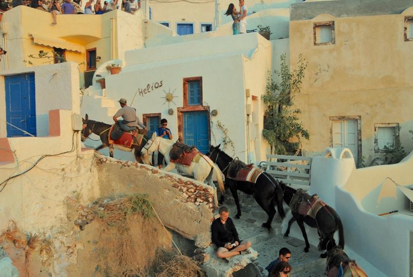 Vacanze a Santorini: come muoversi