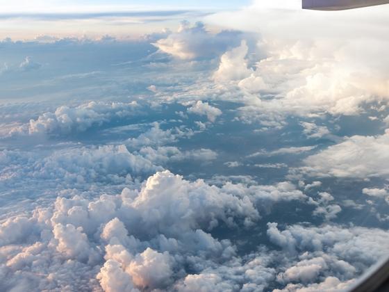 In vacanza con l'aereo. Scegli volo Napoli Santorini di Bongi Travel!
