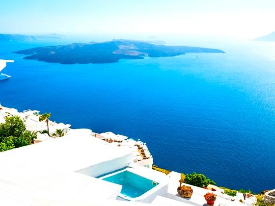 Offerta Santorini: volo da Napoli + 7 notti da € 449