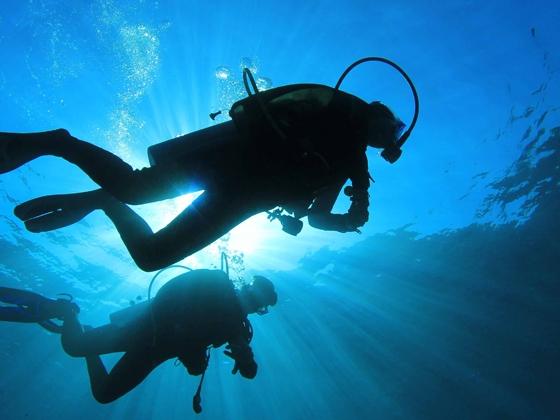 santorini spiagge diving